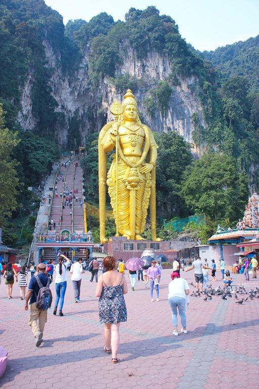 Image de la statue devant la grotte principale de la Batu Caves