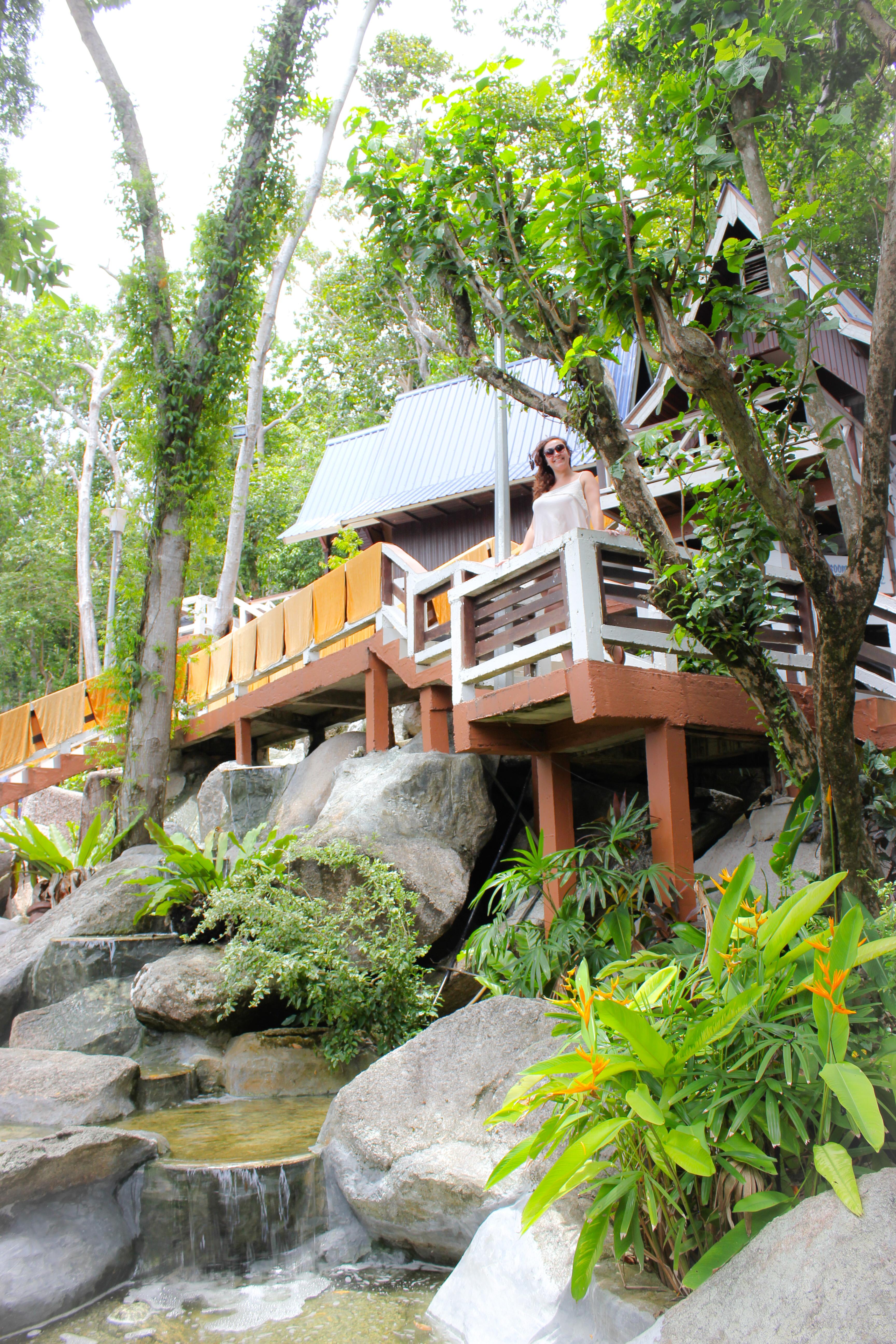 Image d'une femme au Coral View Island Resort