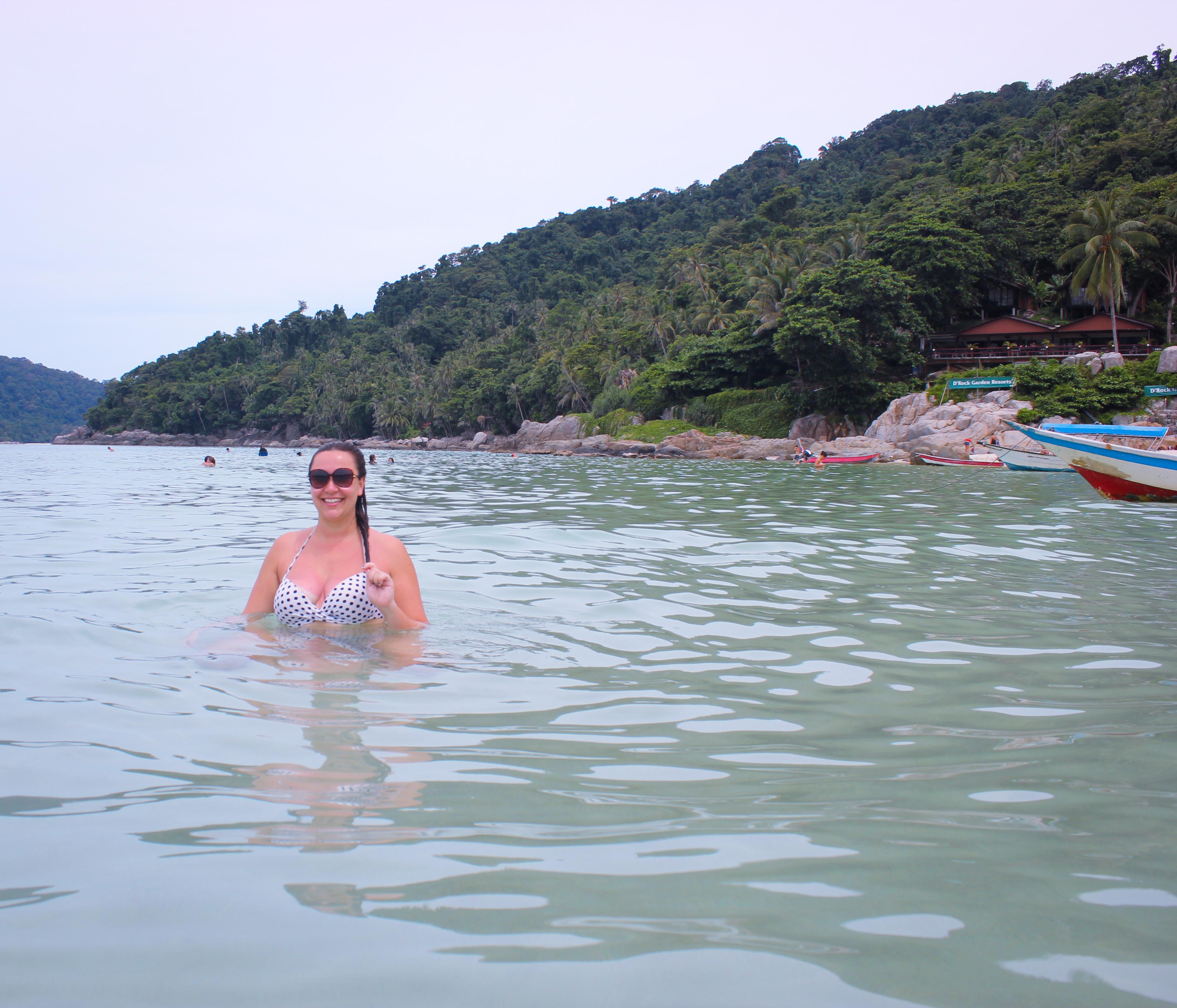 Image d'une femme plage de Pulau kecil