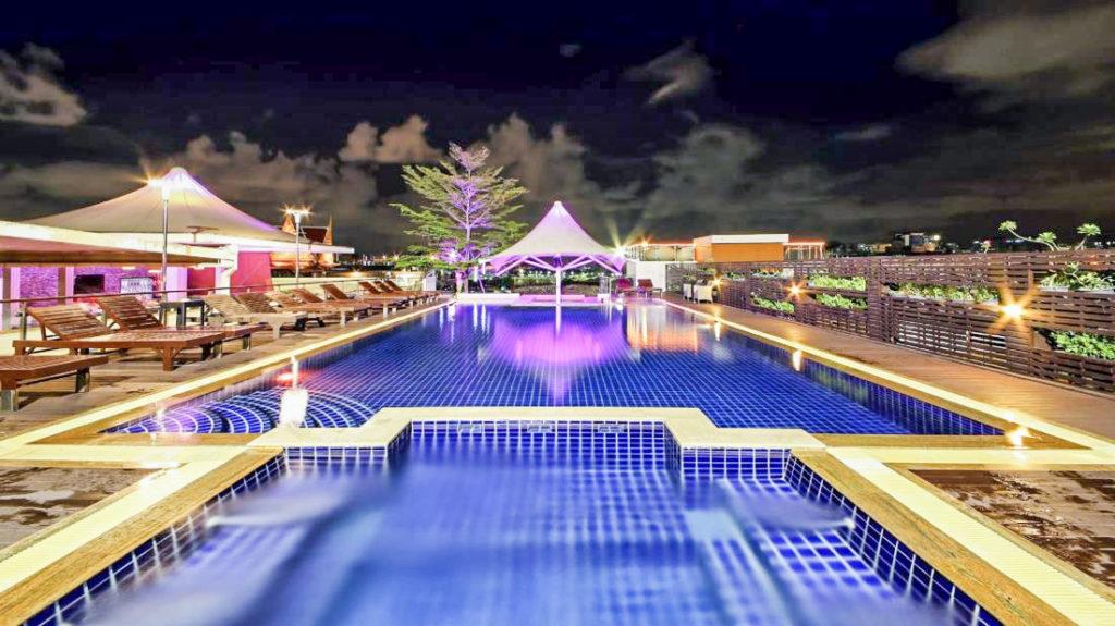 Image de la piscine du Dang derm hotel