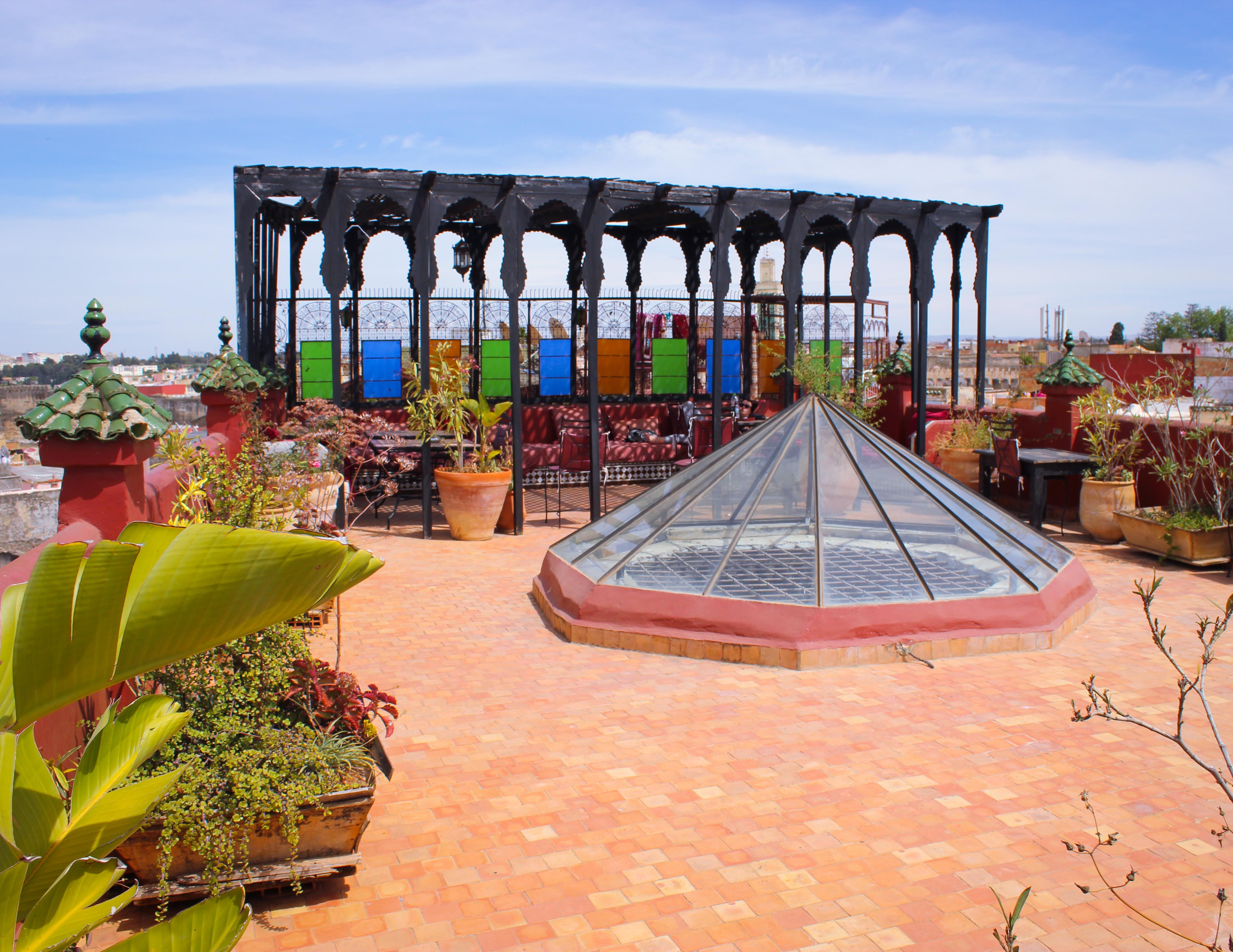 Imaga du toit du riad d'or à Meknès